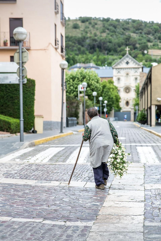 En-busca-de-flores-Mercat-Medieval-La-Seu