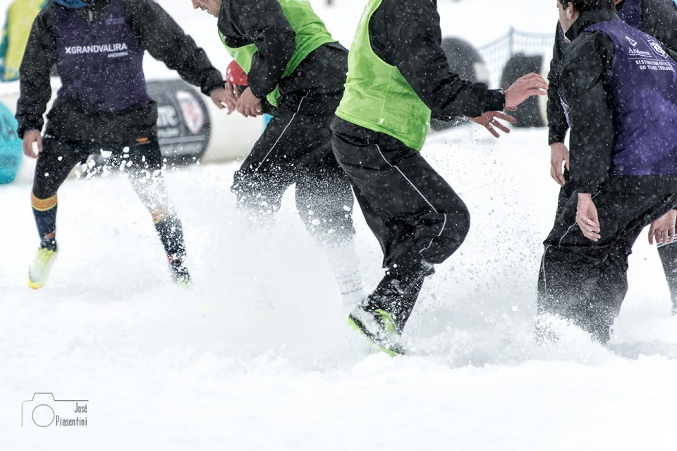 2014.02.01 Snow Rugby 0123 19.57.51