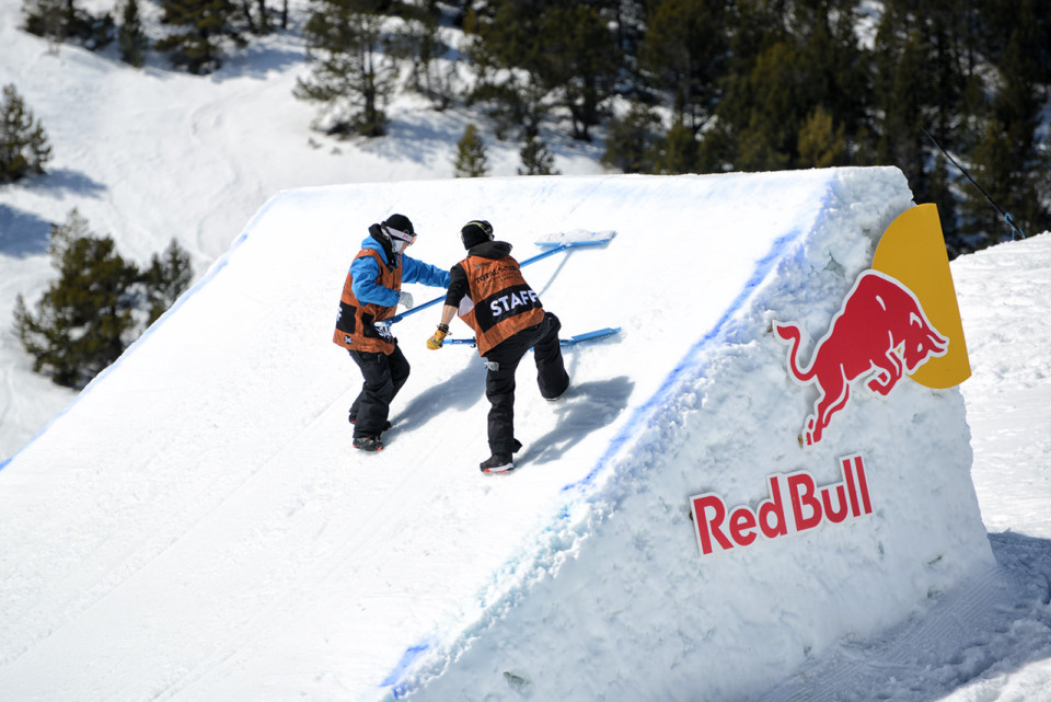 Total-Fight-snowboard