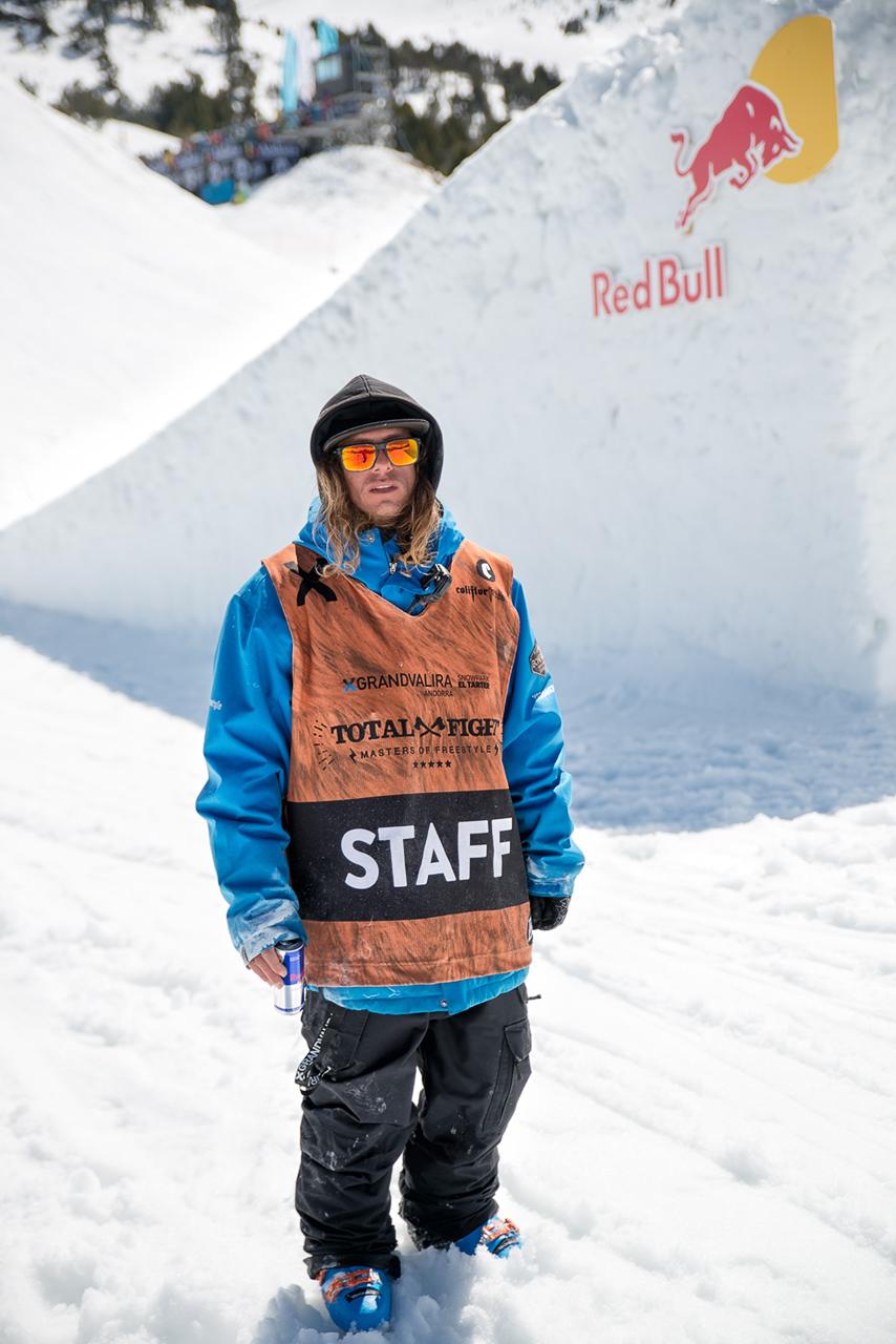 Staff-Total-Fight-snowboard0158