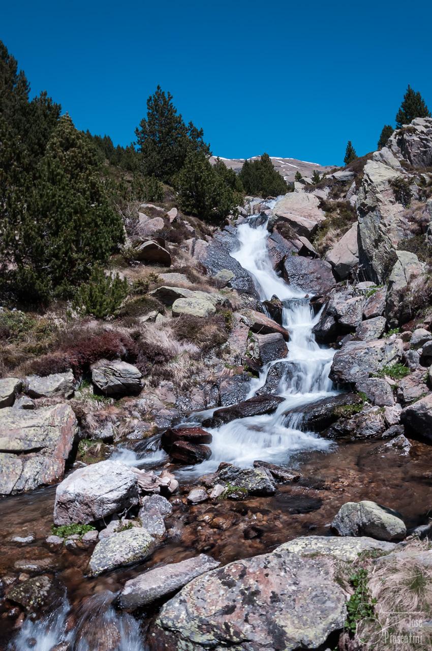 Cami-Estany-L'Isla-y-Vall-d'Incles-Aigua