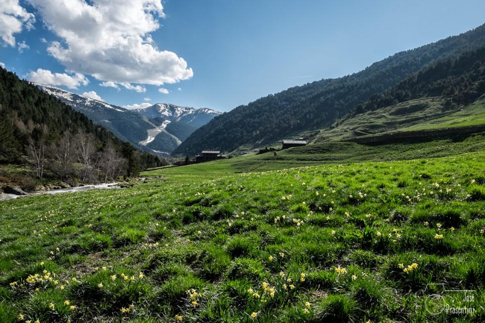 Grandvalira-X-al-fondo desde el Vall d Incles