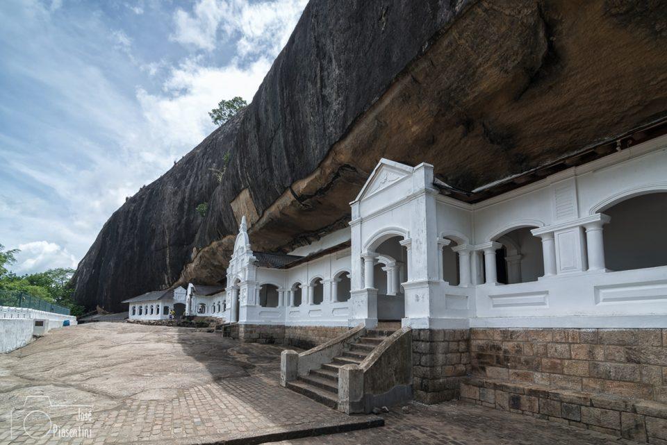 Fachada-Templo-de-Oro-Dambulla-SriLanka
