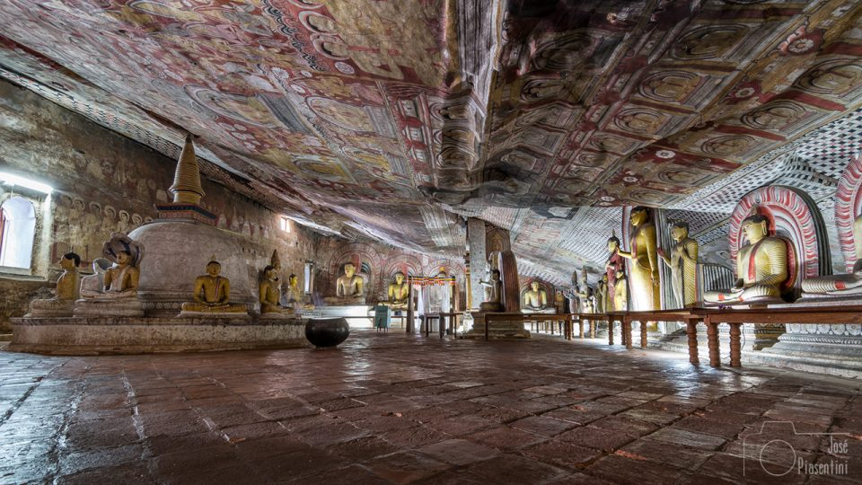 General-view-Golden-Temple-Dambulla - family trip