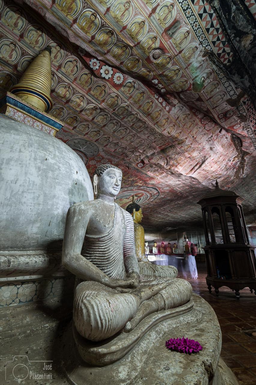 Que hacer en Sri Lanka con niños - Dambulla Cave Temple