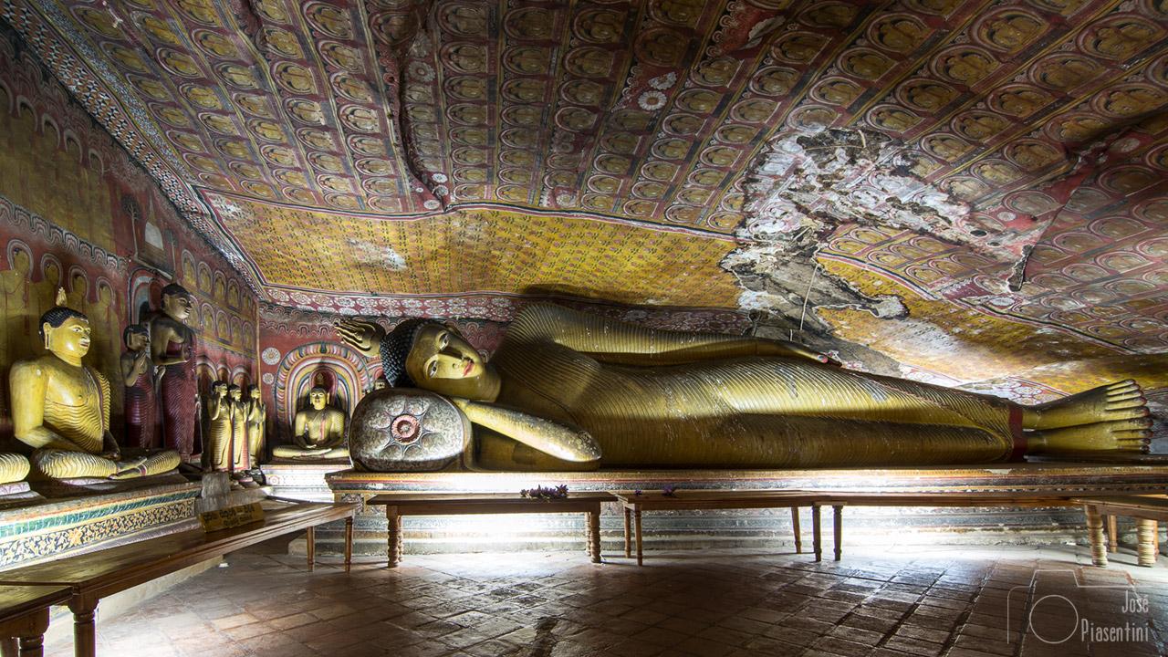 Buda-Templo-de-oro-Dambulla