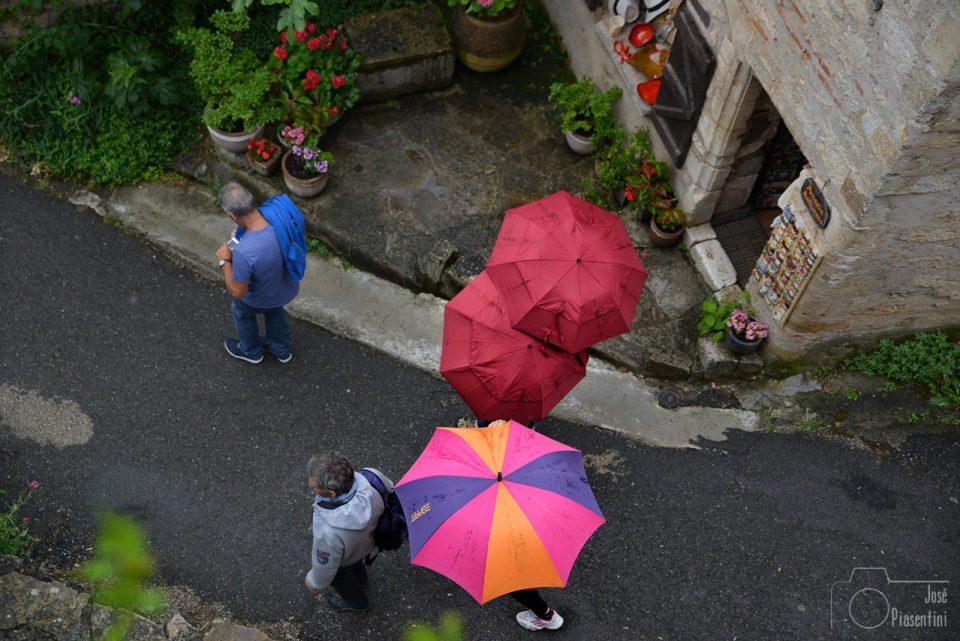 rain-saint-cirq-lapopie-France