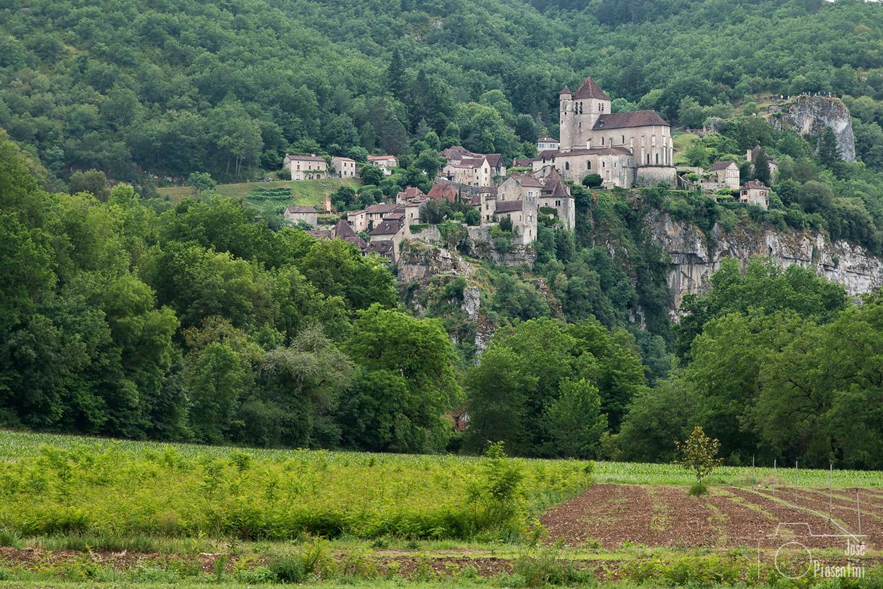 Uno de los pueblos más bonitos Midi-Pyrénées, Saint-Cirq-Lapopie