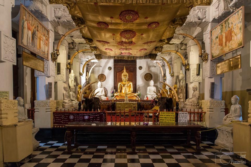 Buda-kandy-temple