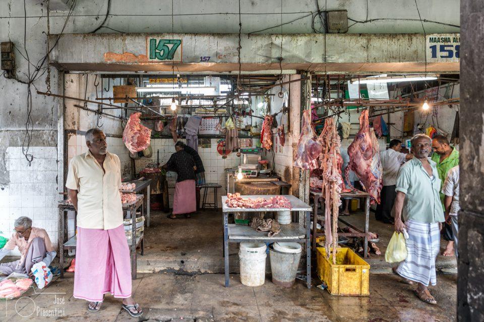 El mercado tradicional de Kandy - carniceria - Que hacer en Sri Lanka con niños