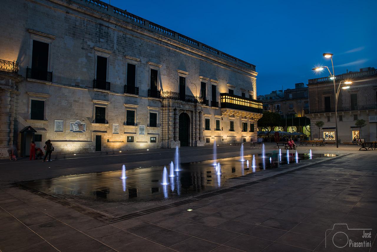 Valletta-night