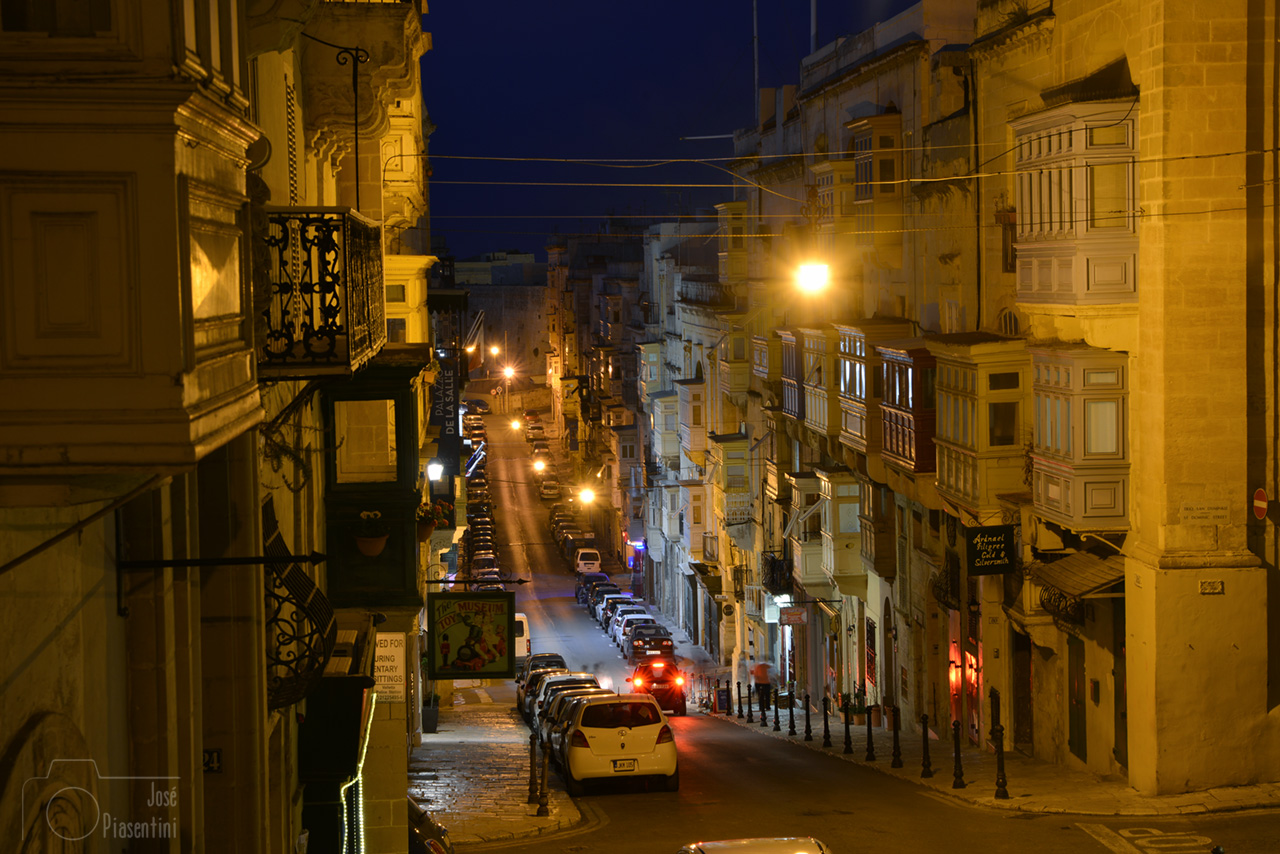 Tipical-Valletta-Street