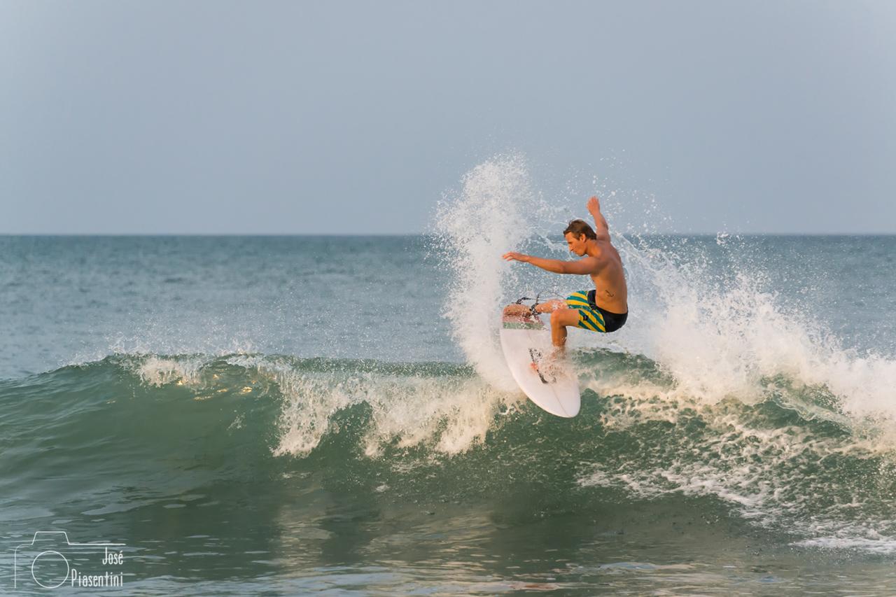 Que hacer en Arugam Bay - australian surfer
