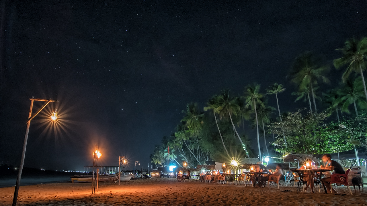 Uppuveli beach at night