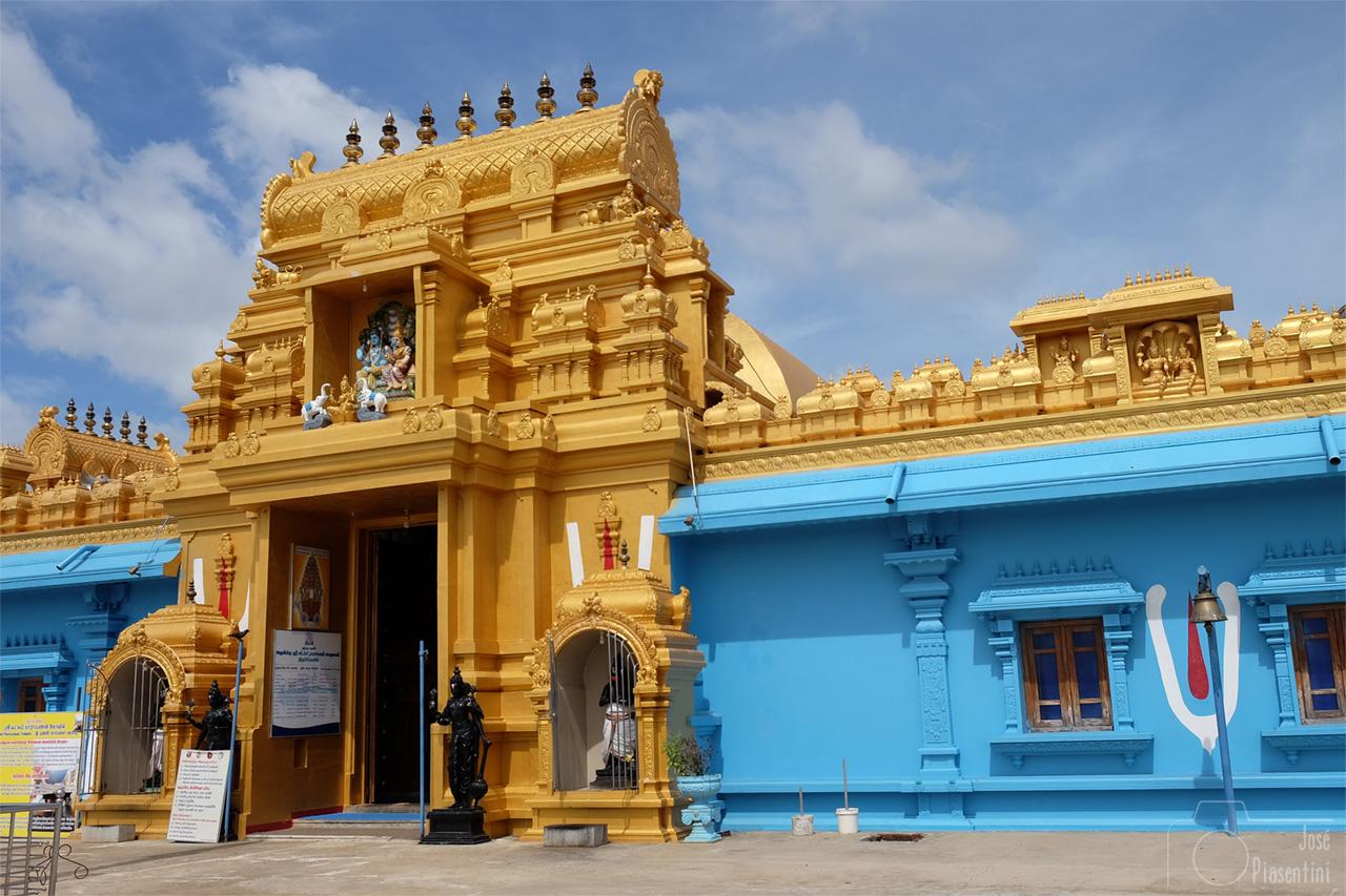 Temple Trinco Sri Laxmi Narayana Perumal