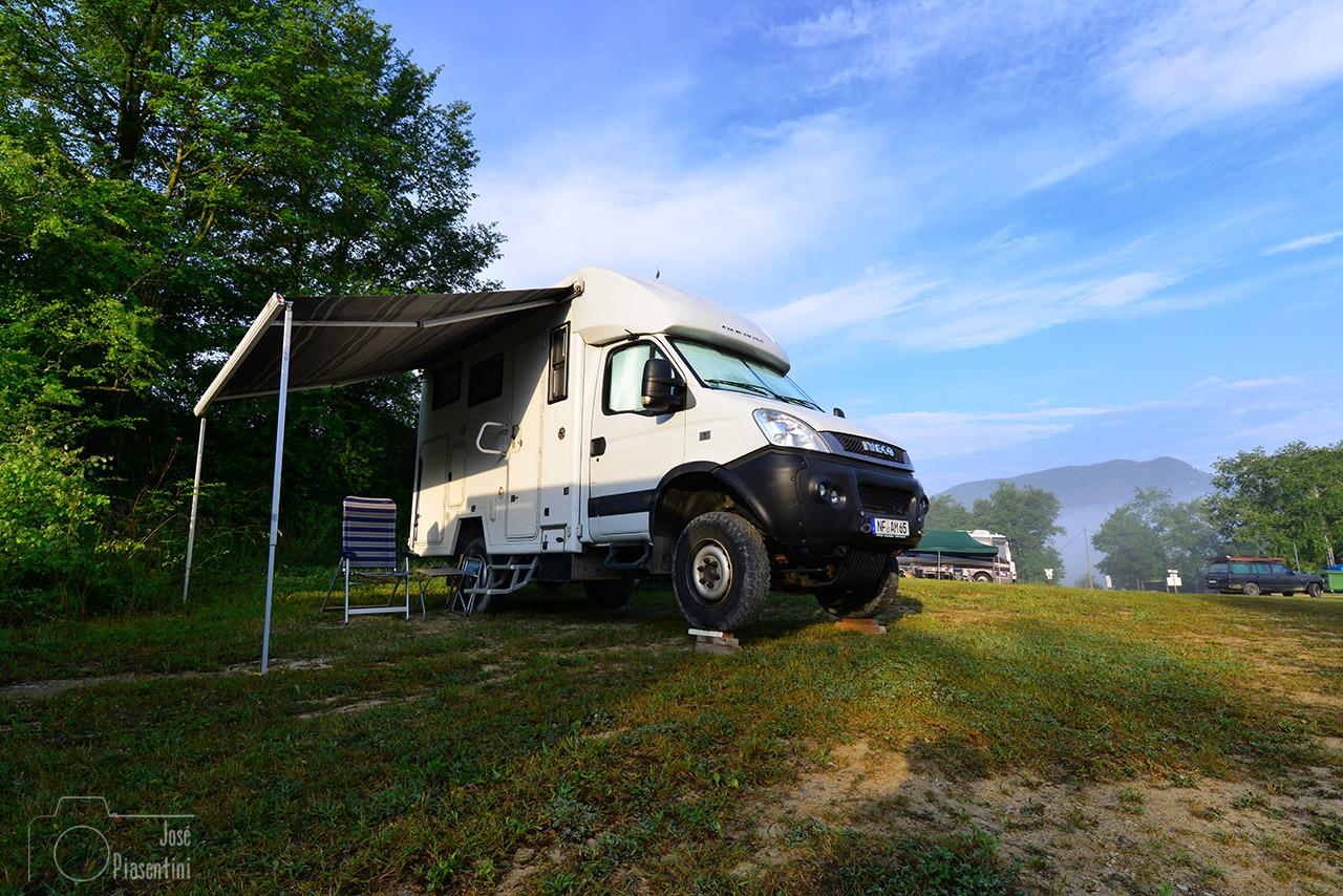 Iveco-4x4-camper-overland
