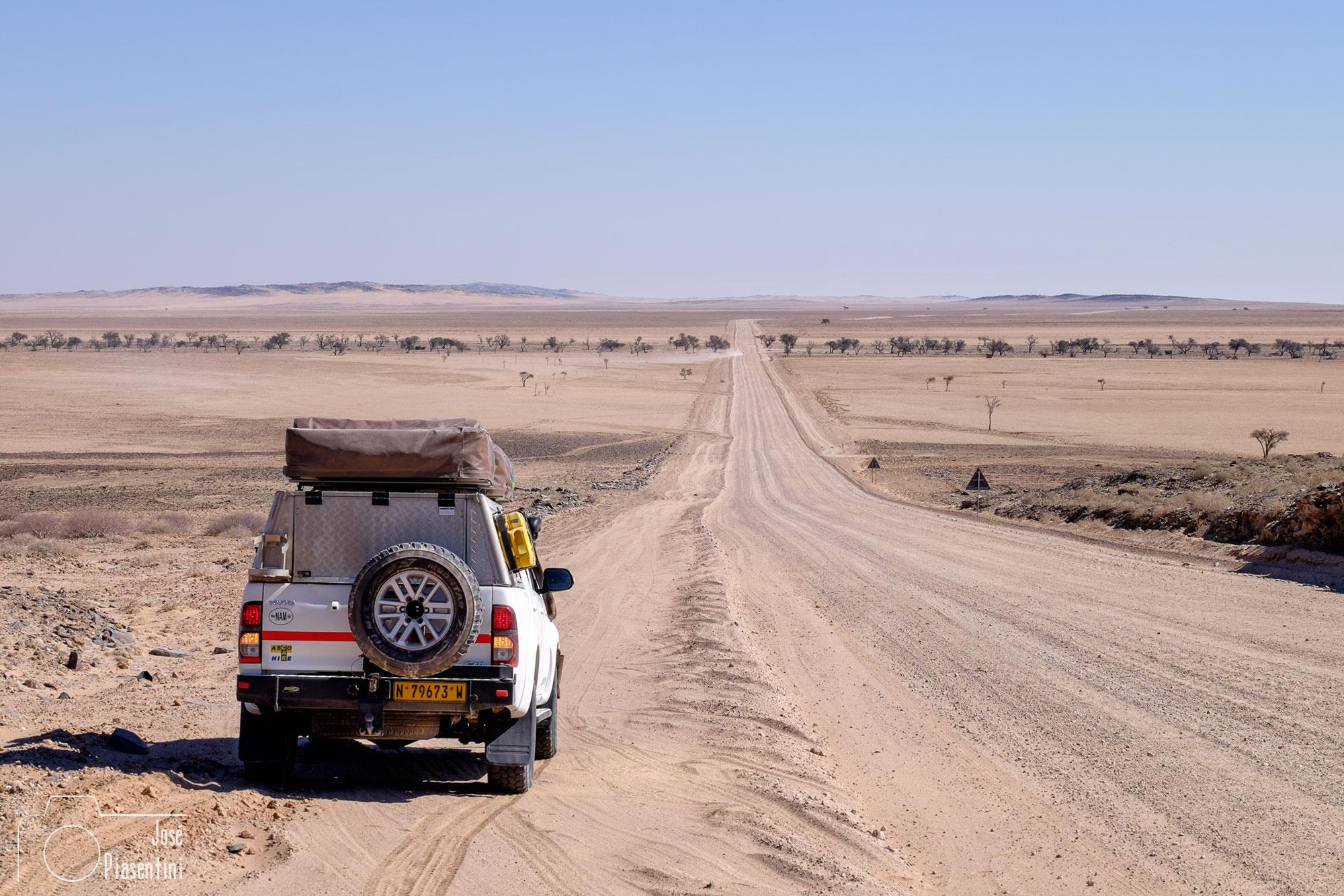 way to Swakopmund-ascocarhire
