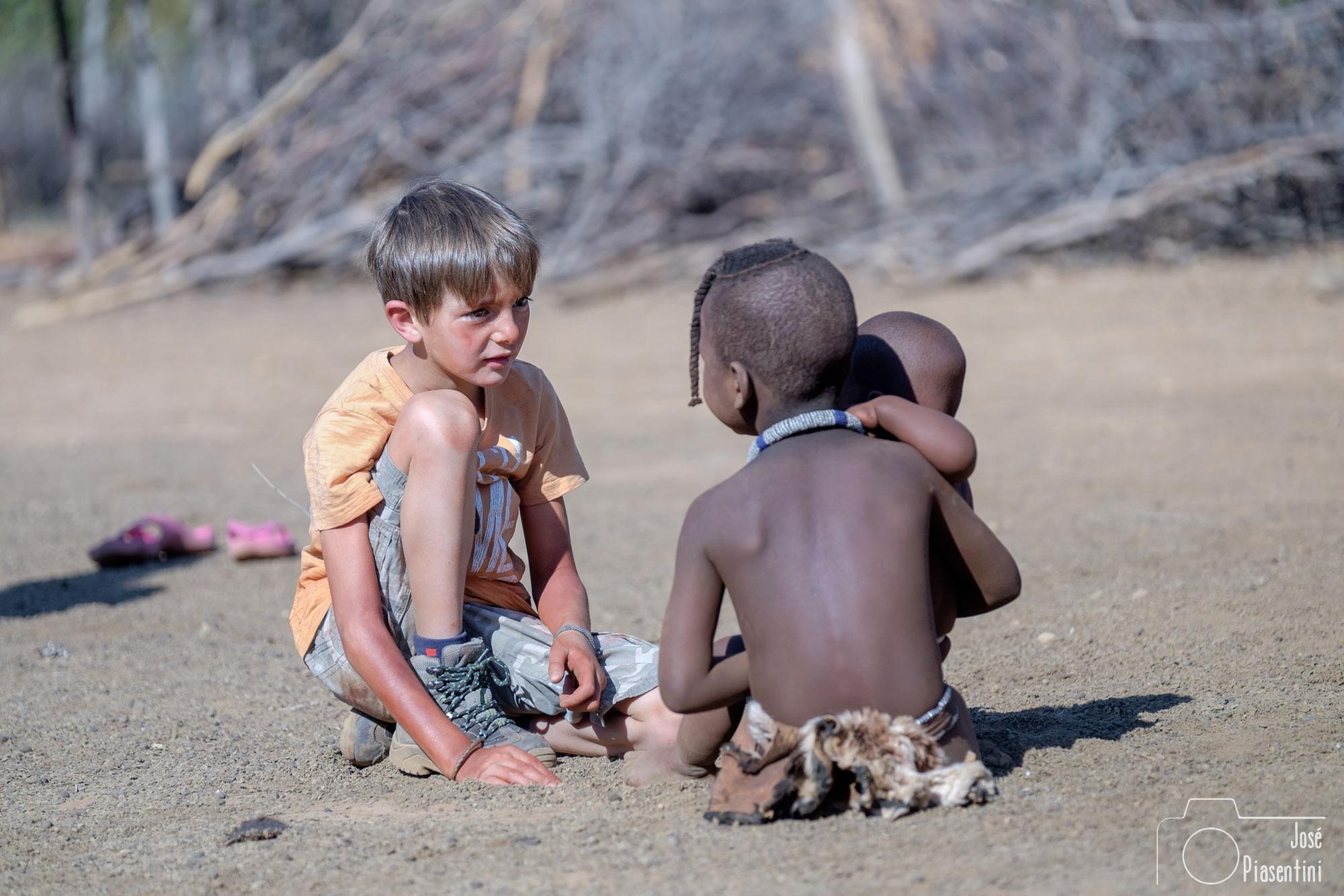 FamilyTravel-Himba-Namibia