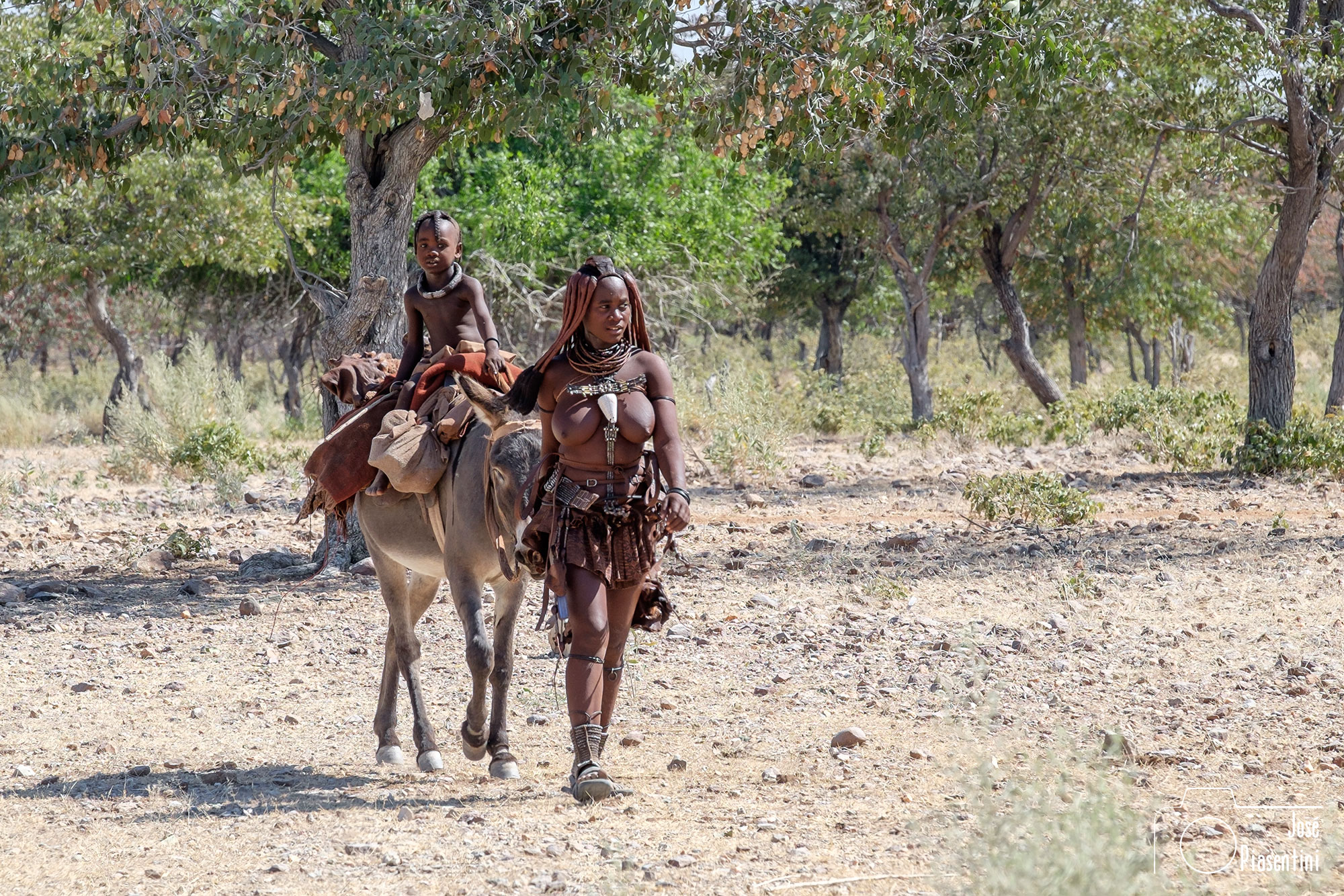 Himba-Kunene-River