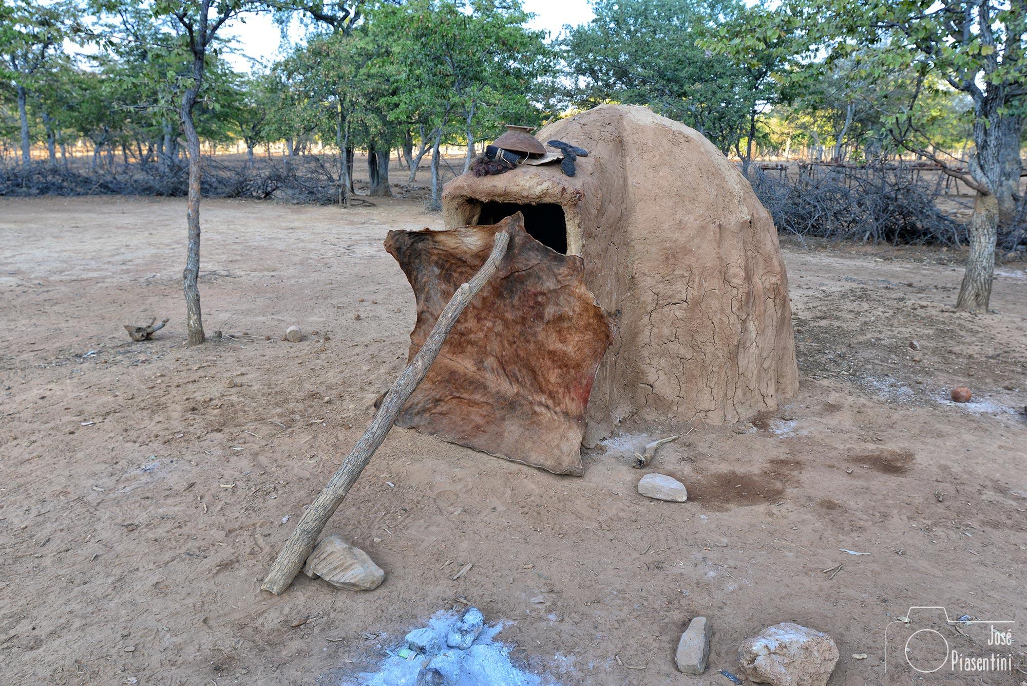 Mira como viven los Himba en Namibia.