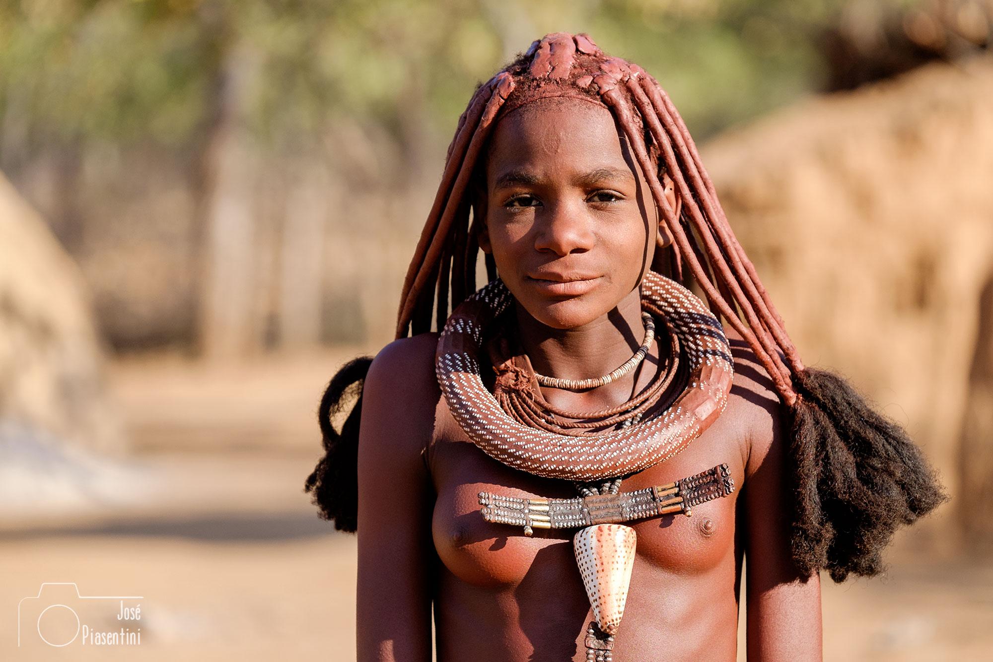 Himba adolecente