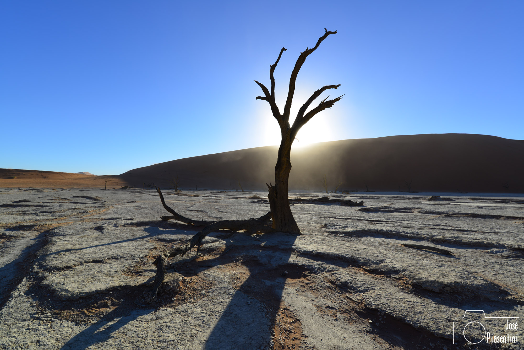 Sunrise-Sossusvlei-and-Deadvlei
