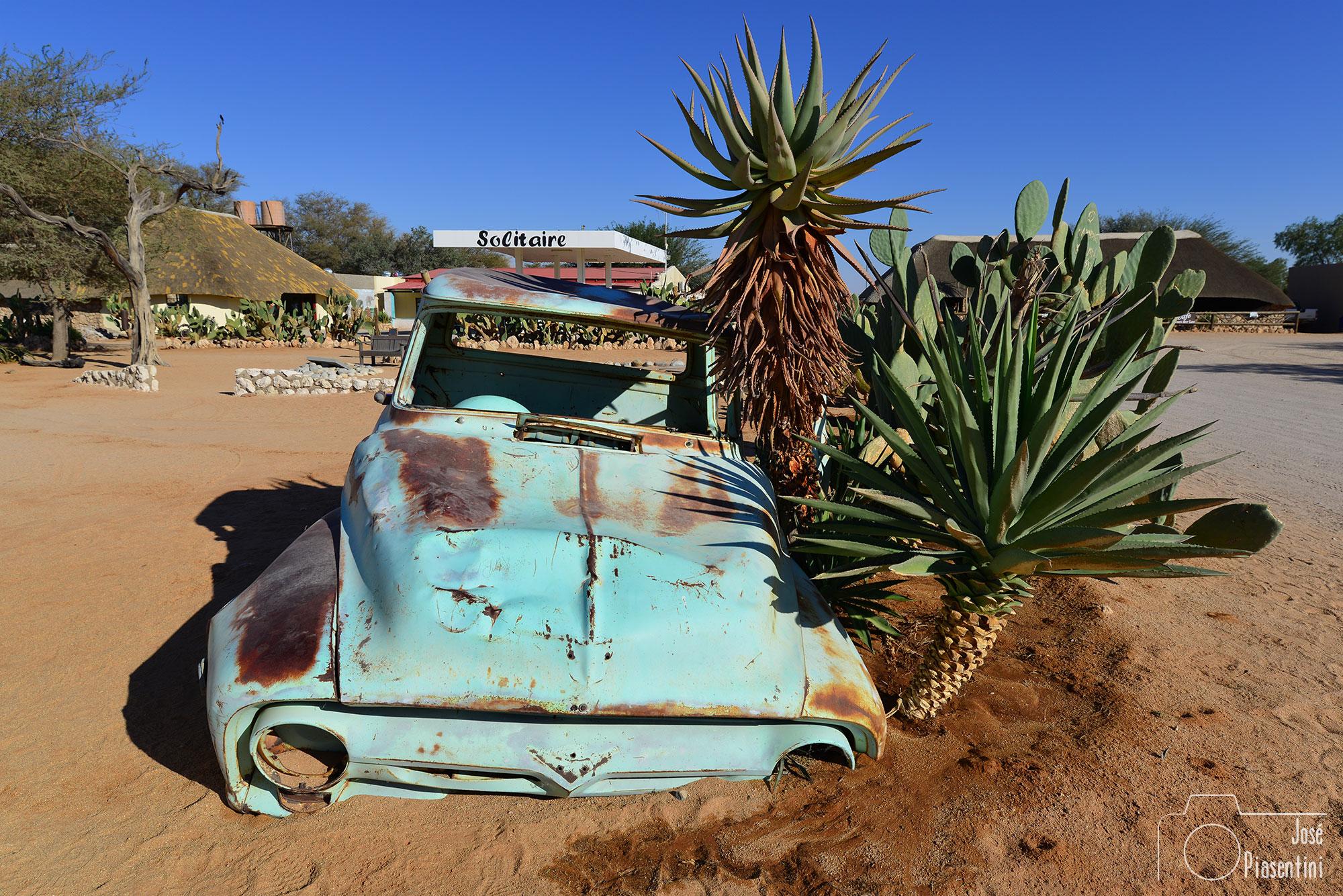 Solitarie-Namibia-C14-Road