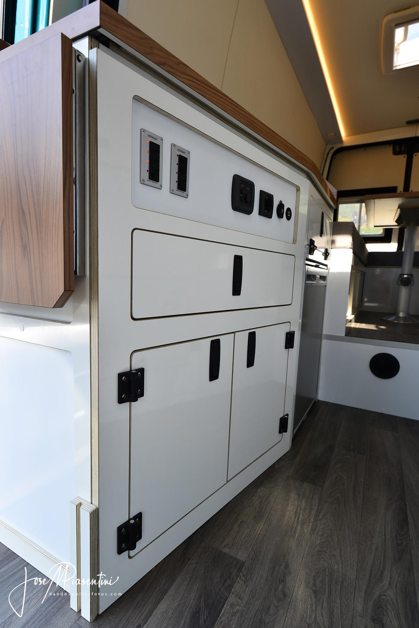 Sprinter-offroad-van