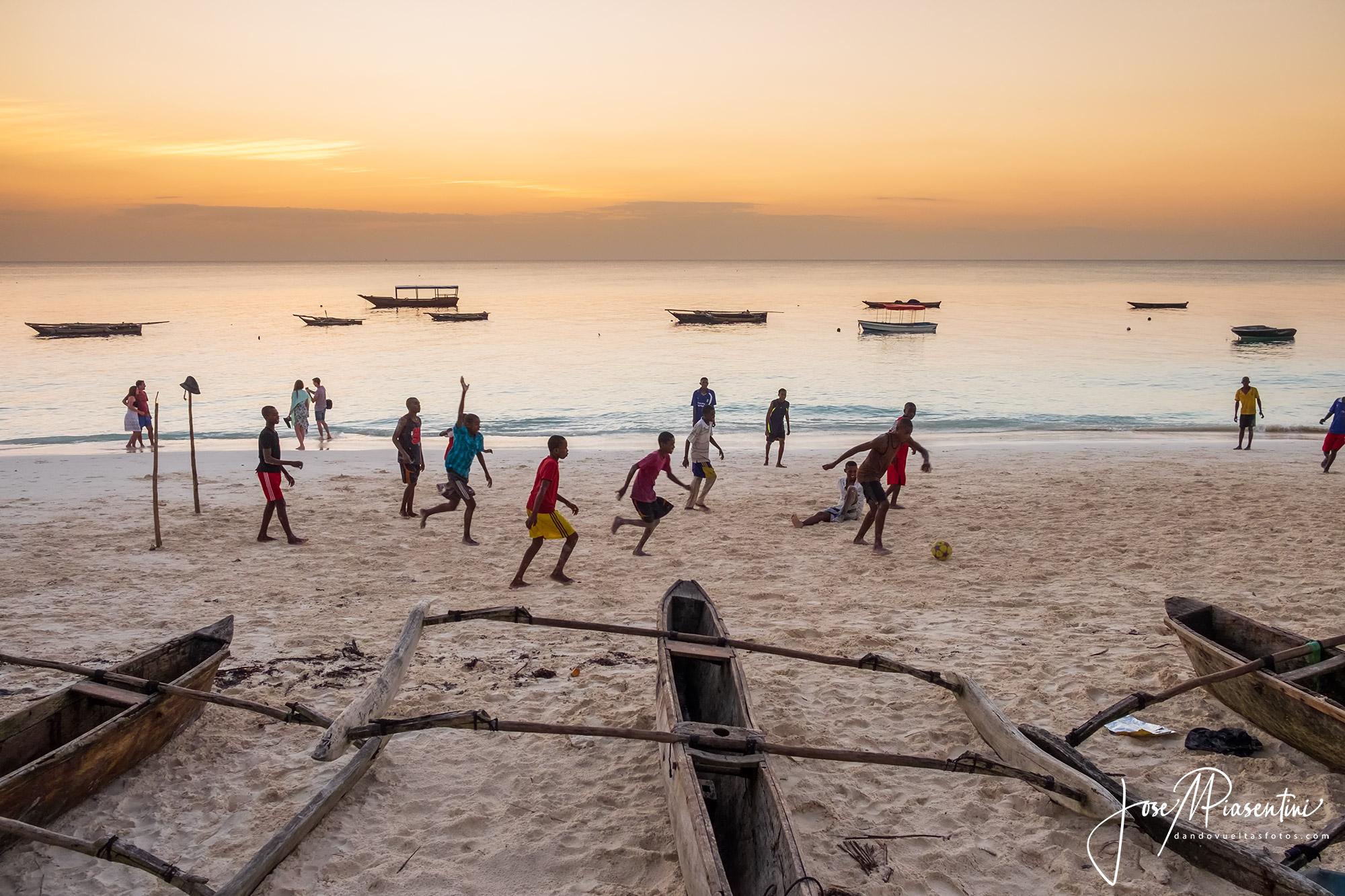Zanzibar beach futbol