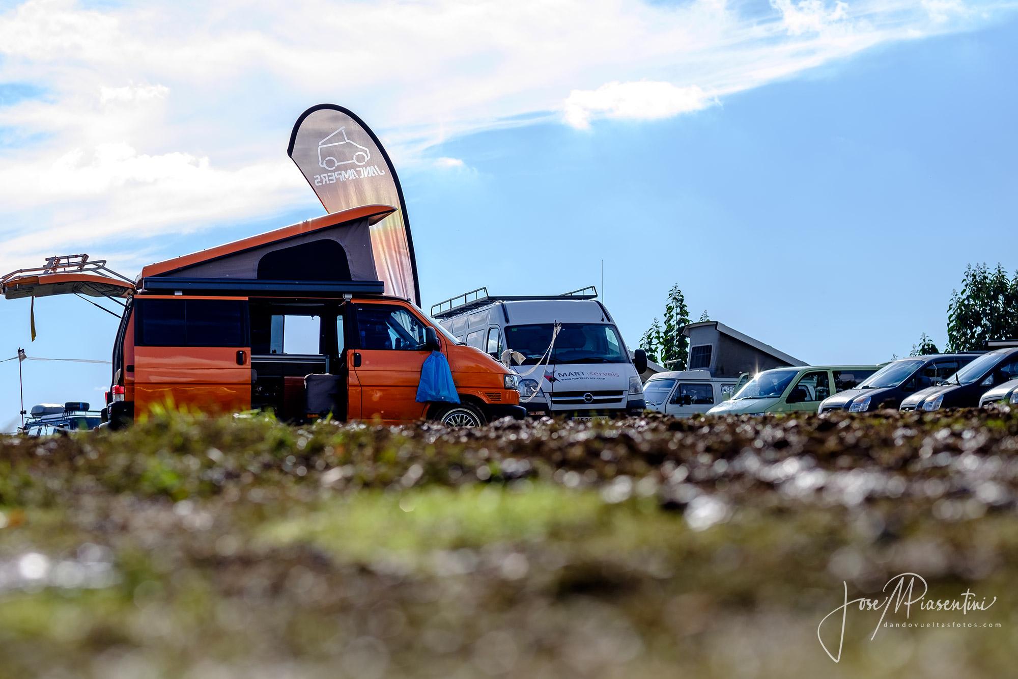 Van-meeting-Camperween