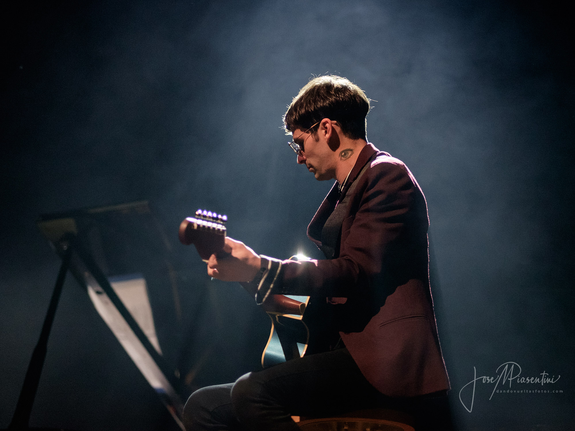 Juani Agüero en guitarra