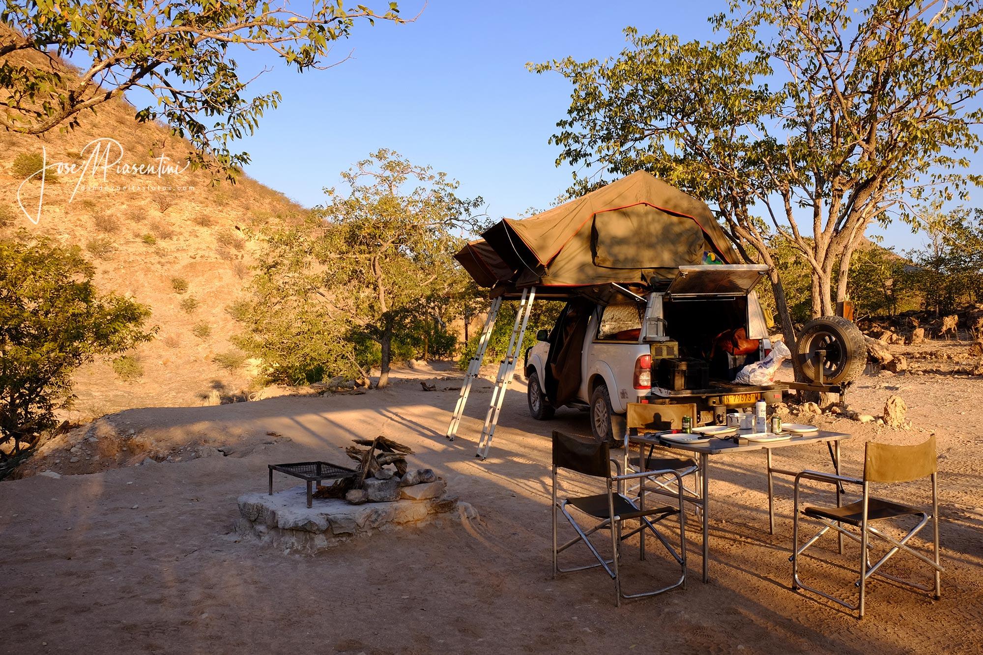Visitar Damaraland - Khowarib-camp-site-namibia