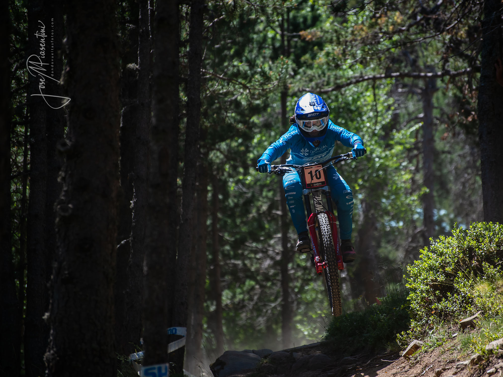 Marine Cabirou Vallnord world cup