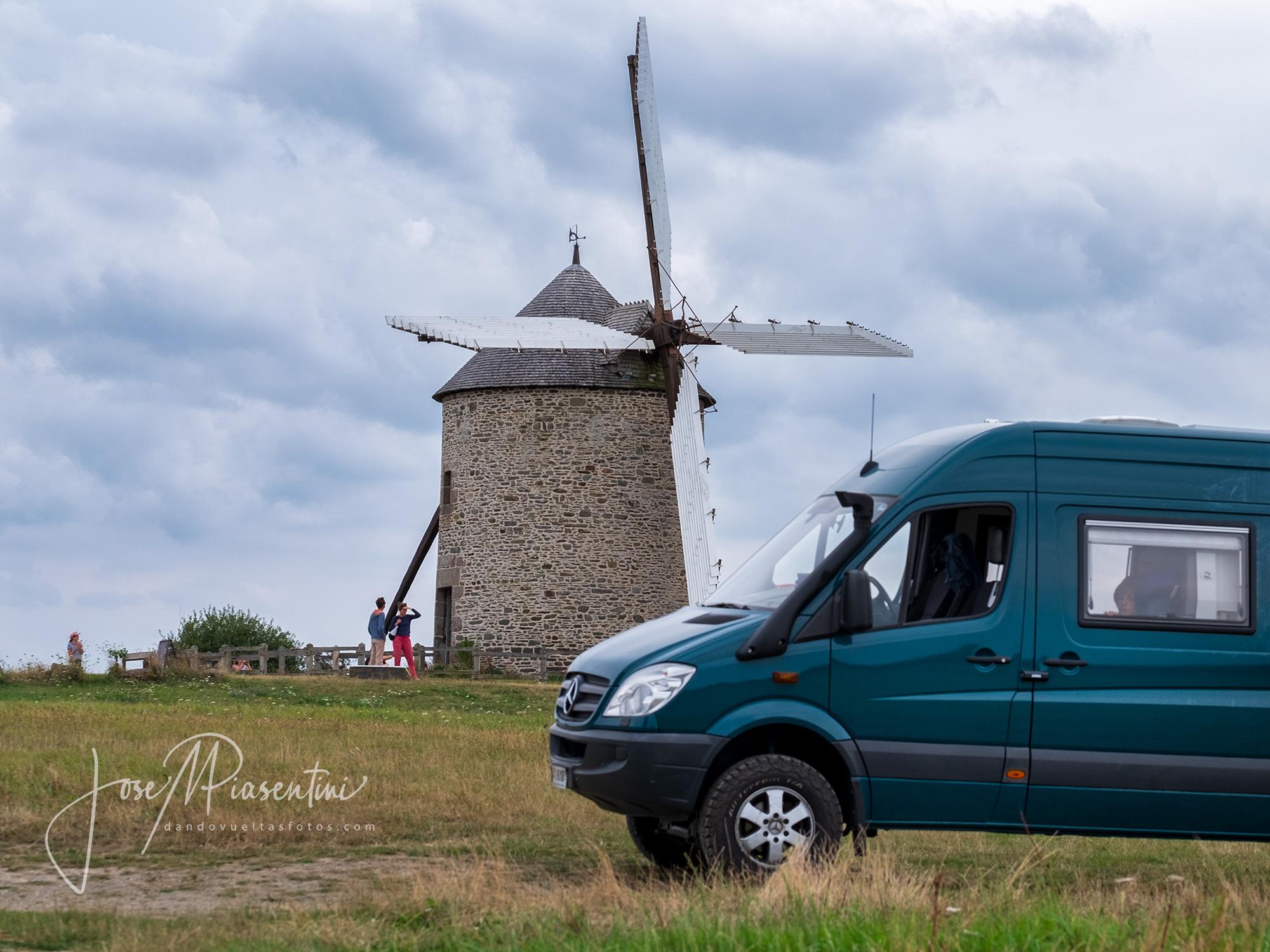 Saint Michel en furgoneta Sprinter 4x4 camper