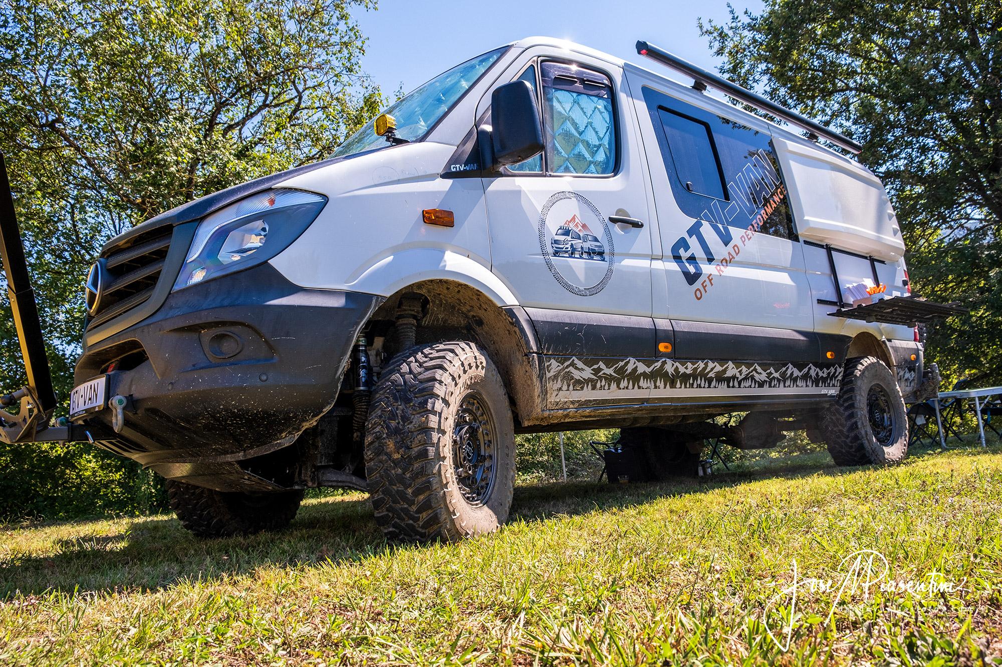 Sprinter 4x4 Van Compass