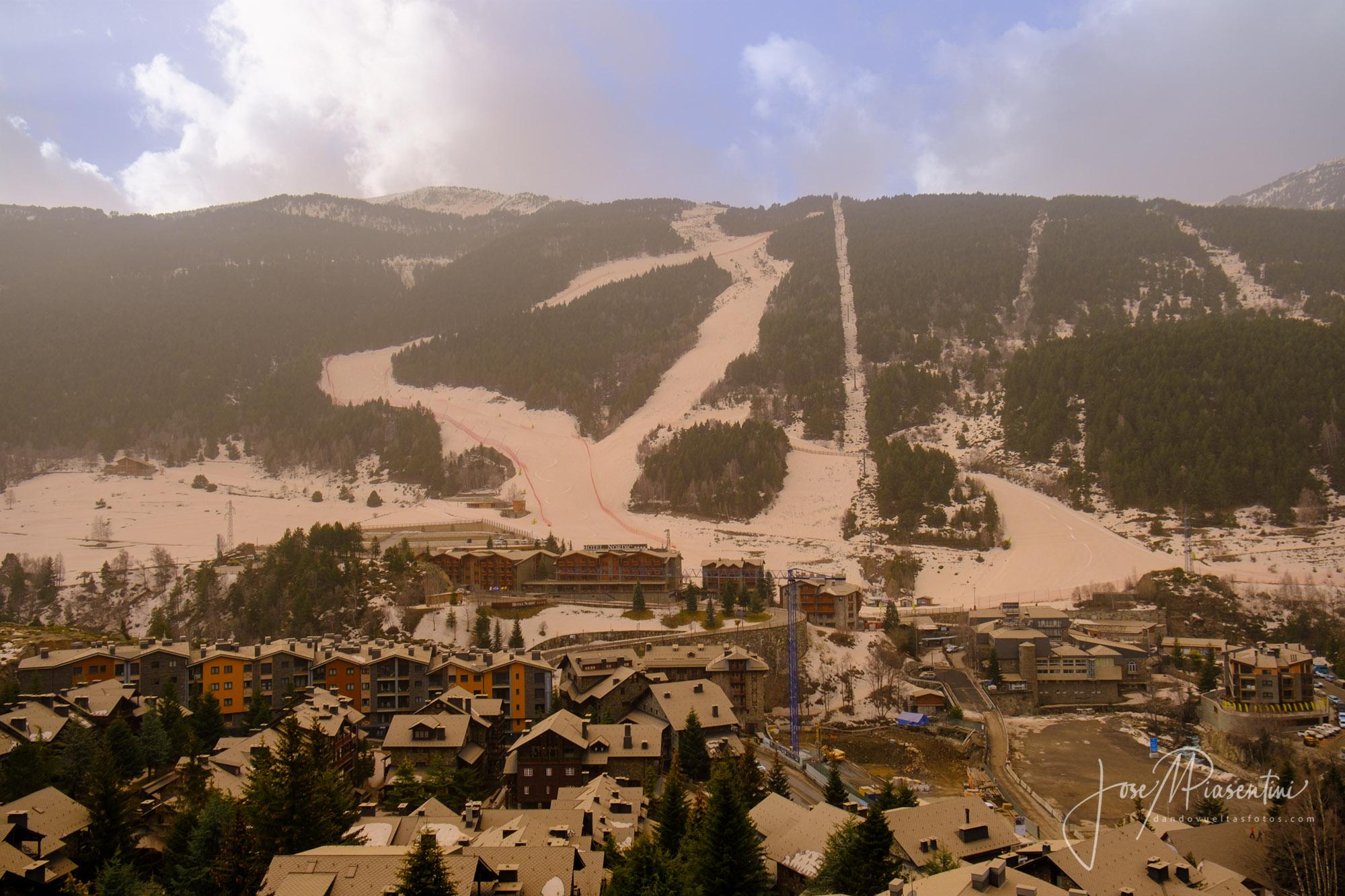 Tarter Andorra marron por polvo sahara