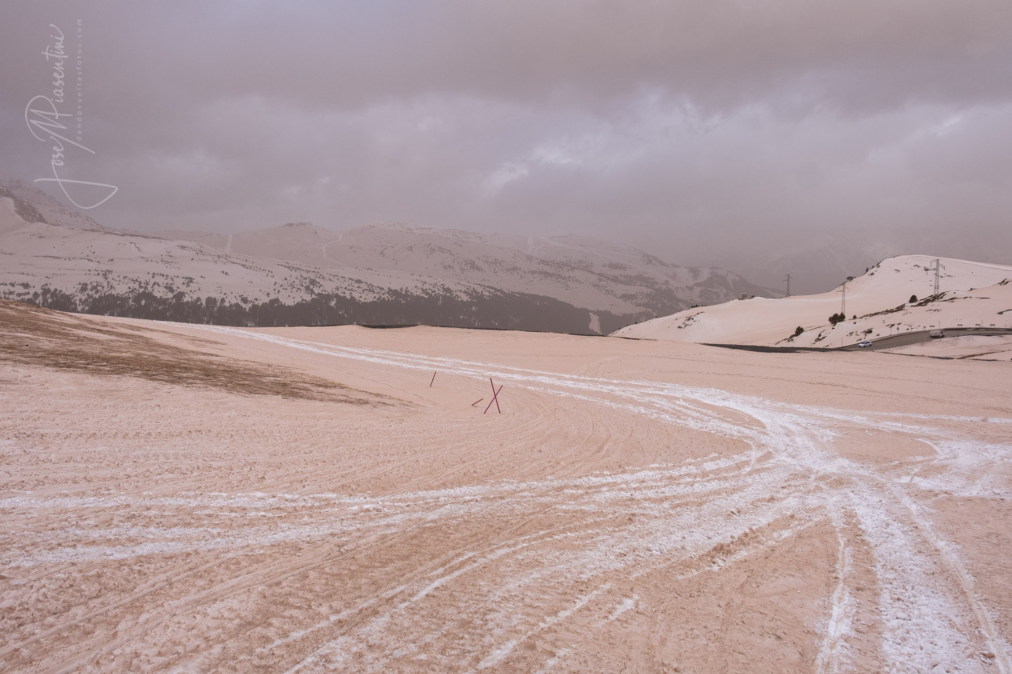 Andorra marron polvo sahara