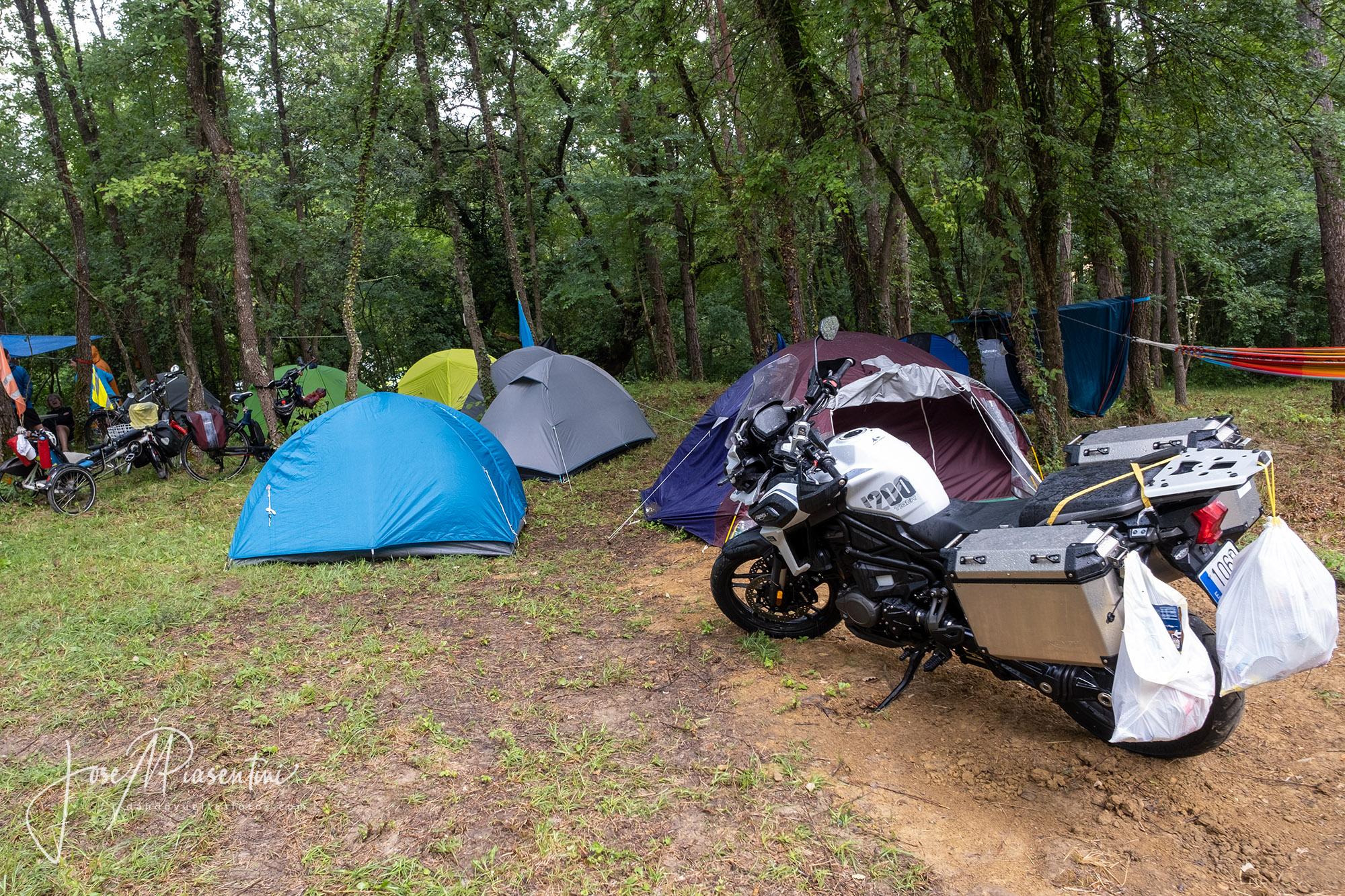 Moto viajeros meeting camper
