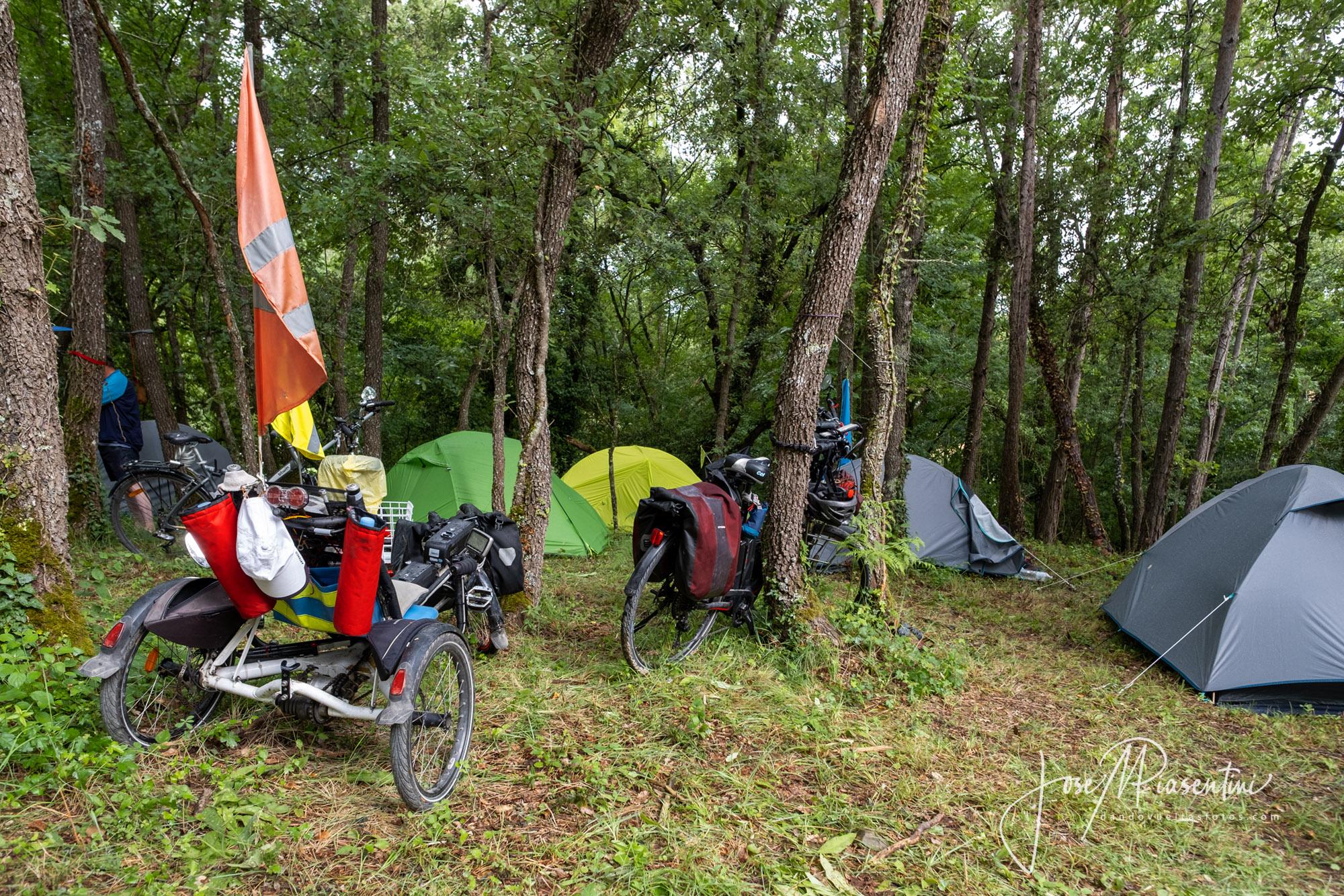 Cicloviajeros meeting camper