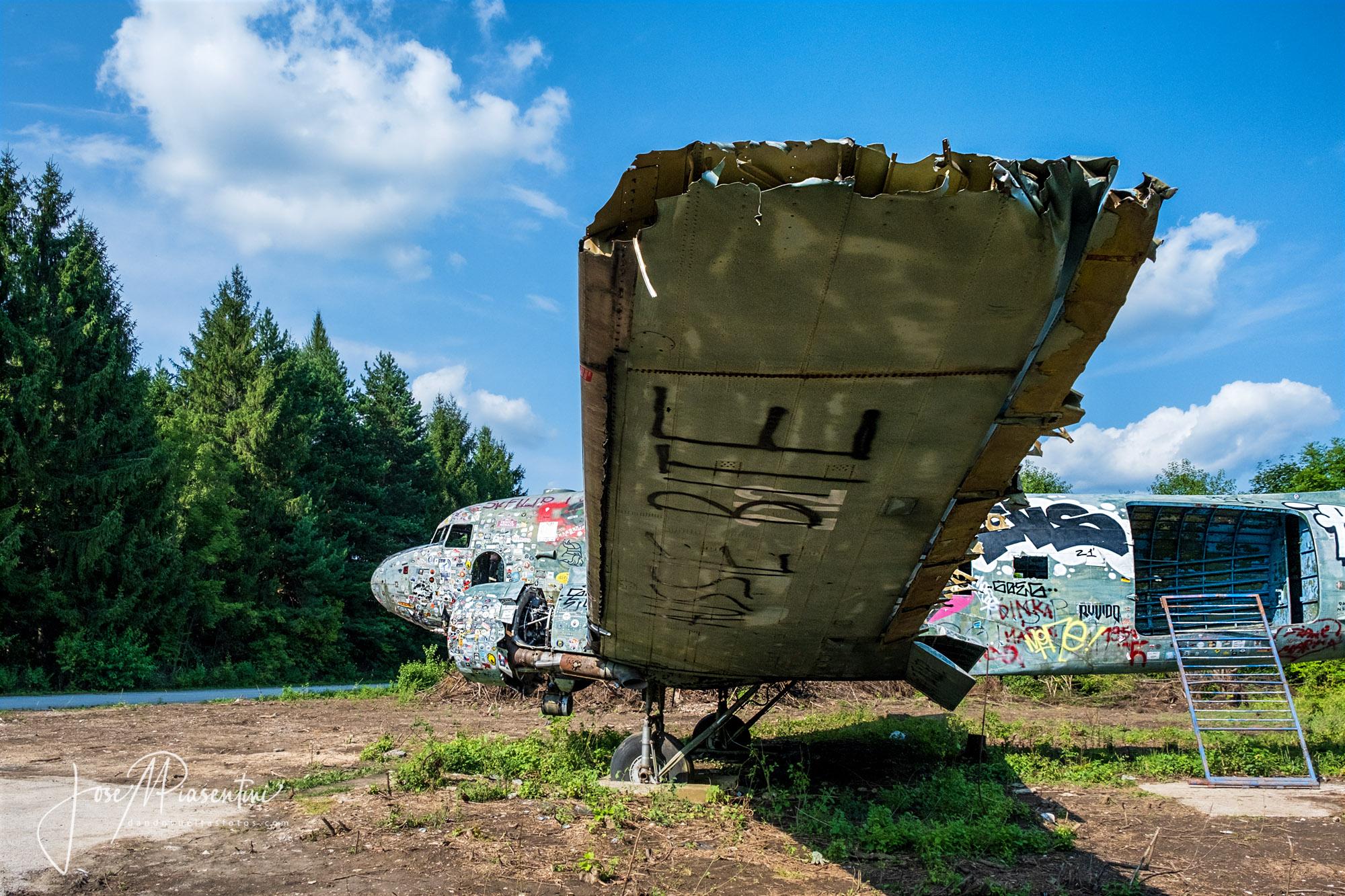 Base aérea abandonada Zeljava en Croacia